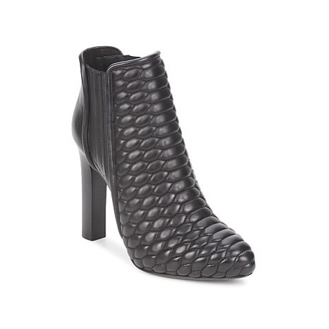 Roberto Cavalli WDS227 women's Low Ankle Boots in Black