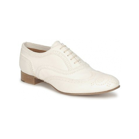 Marc Jacobs MJ18041 women's Smart / Formal Shoes in White