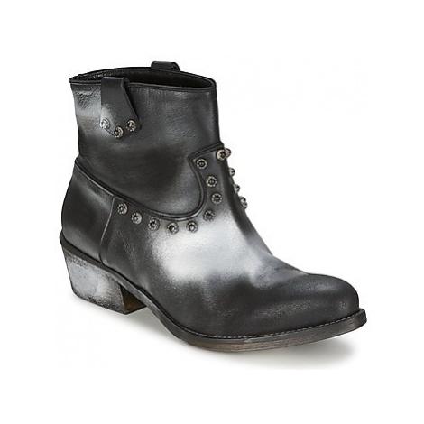 Strategia SFUGGO women's Mid Boots in Black