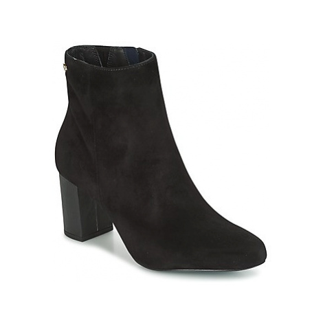 Tommy Hilfiger SELINE women's Low Ankle Boots in Black
