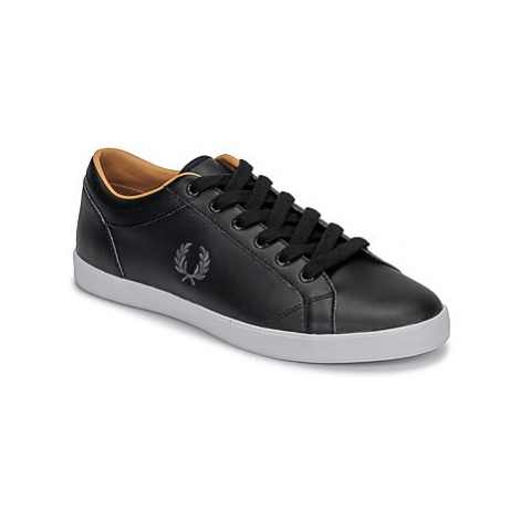Fred Perry BASELINE LEATHER men's Shoes (Trainers) in Black