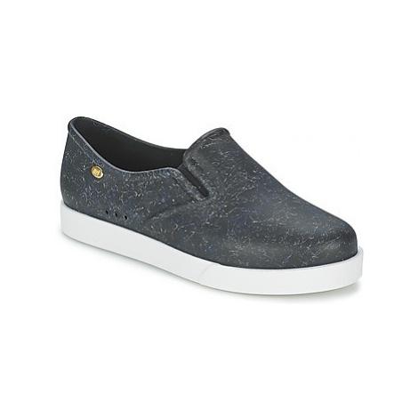 Mel KICK women's Slip-ons (Shoes) in Black