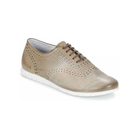 Kickers BECKI women's Smart / Formal Shoes in Grey