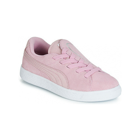 Pink girls' sports shoes