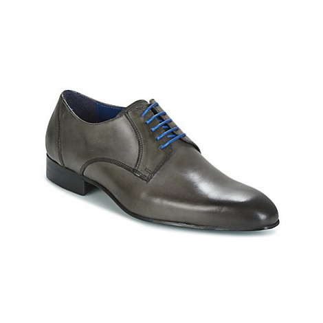 Carlington EMRONE men's Casual Shoes in Grey