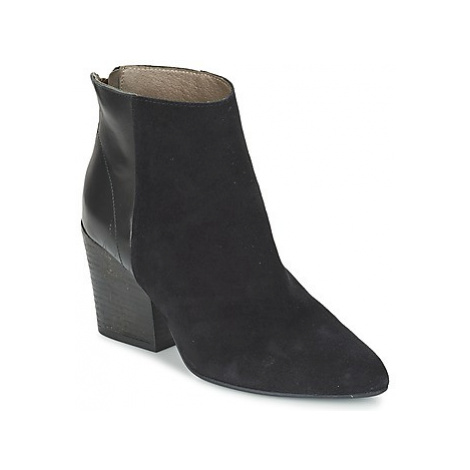 Hudson MELI CALF women's Low Ankle Boots in Black Hudson London