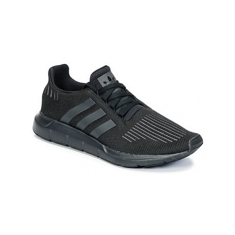 Adidas SWIFT RUN women's Shoes (Trainers) in Black